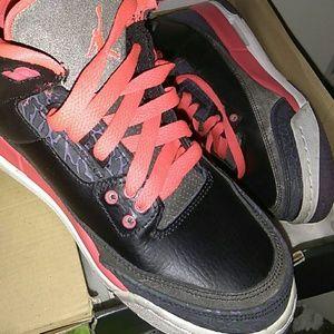 Air Jordan 3 Retro Kicks